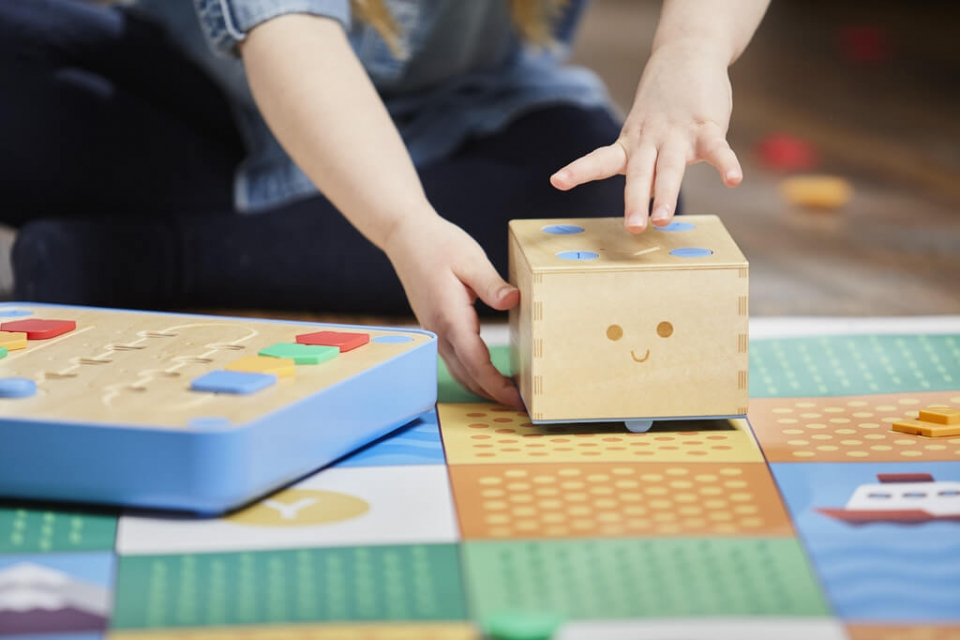 Colori: informatique Montessori - Cubetto